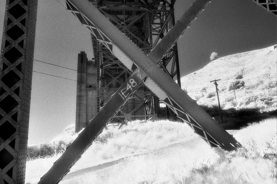 X support,Marin side. The Golden Gate Bridge. Kodak Black & White Infrared Film(C)1995 :  : Christopher Davies Photography