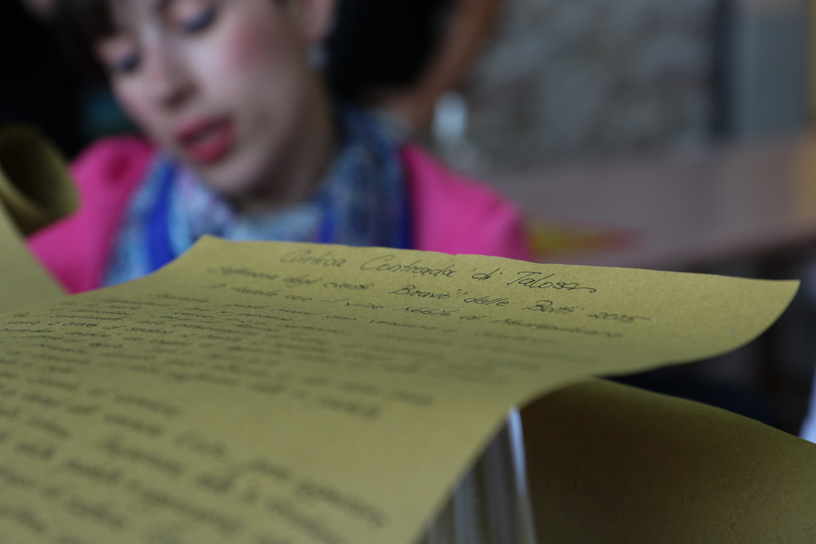 Reading a handwritten menue at A Tavola con il Nobile :  : Christopher Davies Photography